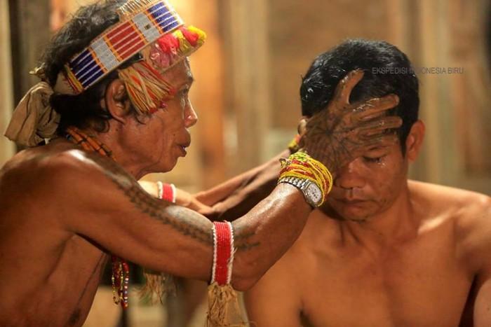 Sikerei; Tradisi Unik Suku Mentawai | infobudaya.net